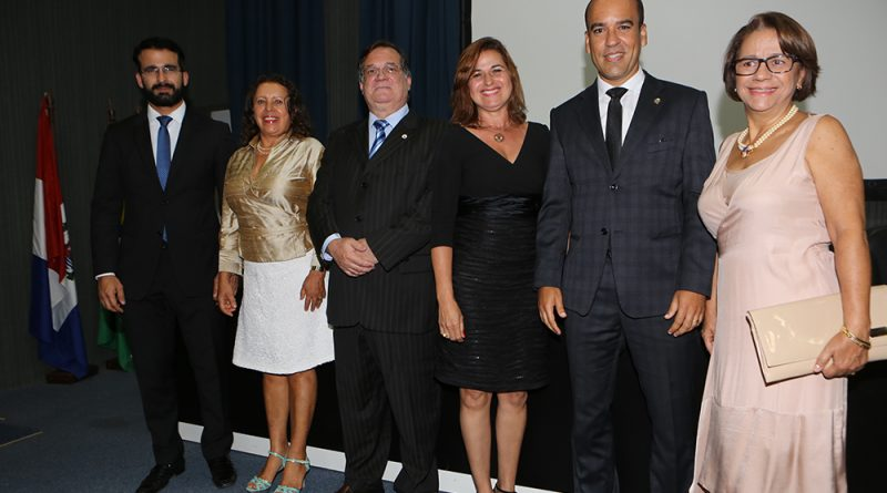 Presidente e vice da Amatra 19 prestigiam posse da nova diretoria da Almagis