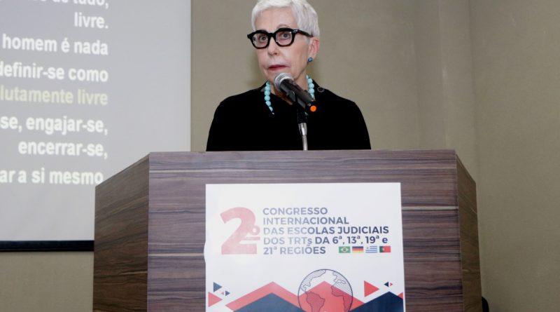 Desembargadora Anne Inojosa ministra palestra no 2º Congresso Internacional das Escolas Judiciais de TRTs